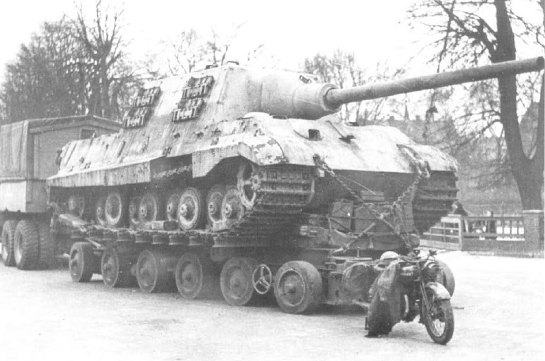 Jagdtiger Culemeyer transport with motorcycle 1