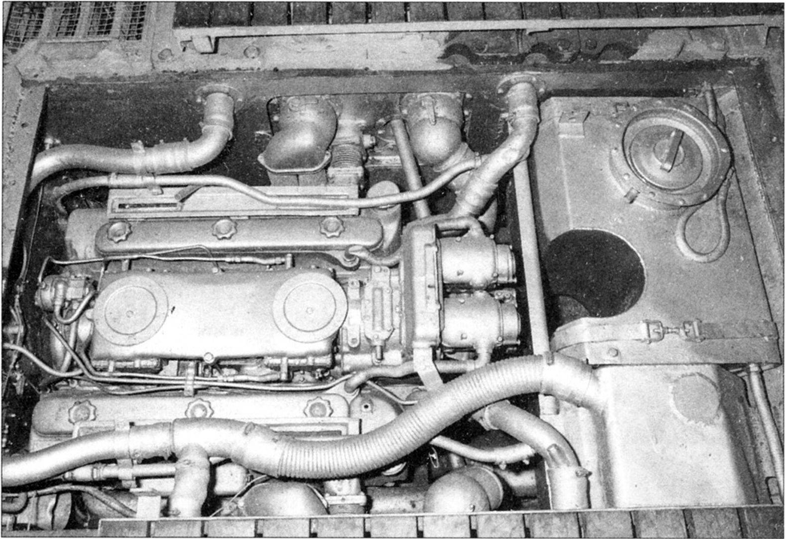 Jagdtiger engine view and wooden boards