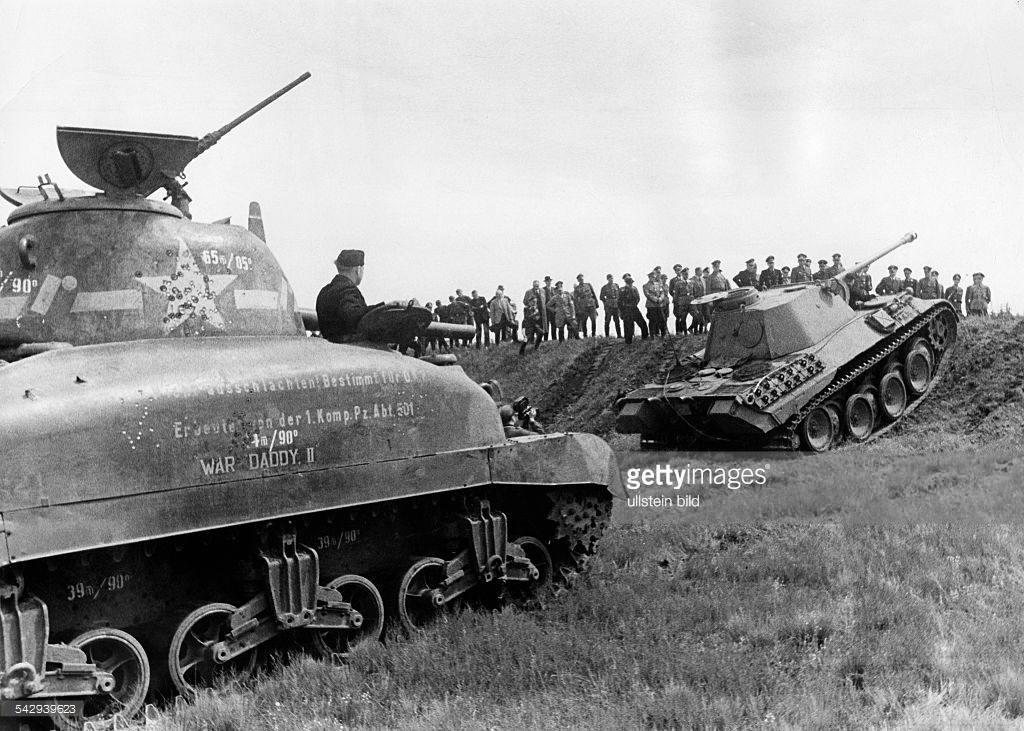 2 Panther climbing Hillersleben 6 1943