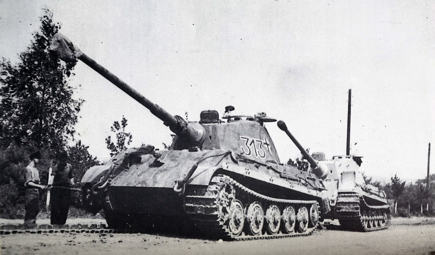 Tigers of the 501st heavy tank battalion in Poland 1944
